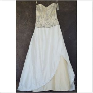 Rosa Clara Beaded Cream and White Wedding Gown